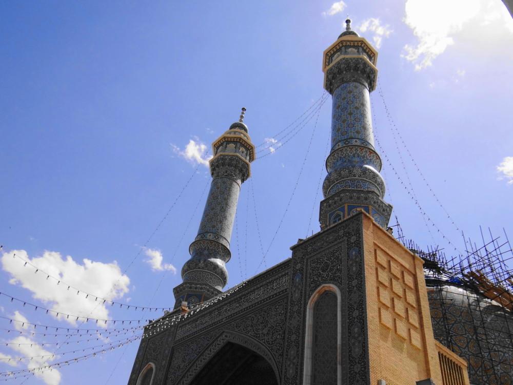 qom iran holy shrine