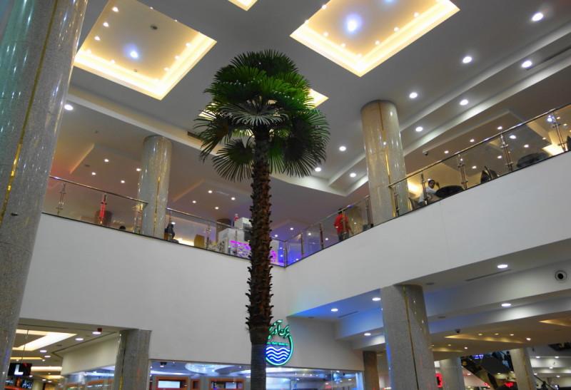 qeshm island persian-gulf bazaar city-center