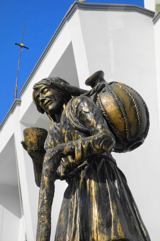 qeshm island persian-gulf statue