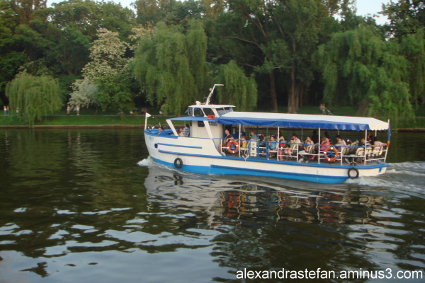 Cu vaporul pe Lacul Herastrau