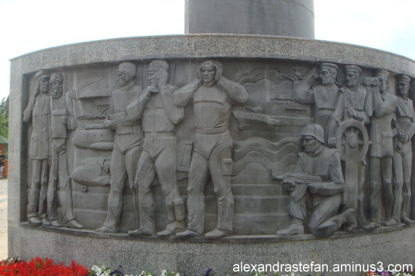 Monumentul eroilor 2