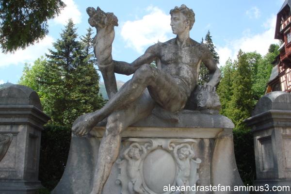 Statuie 5