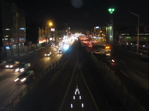 شبِ تهران، خیابان آزادی