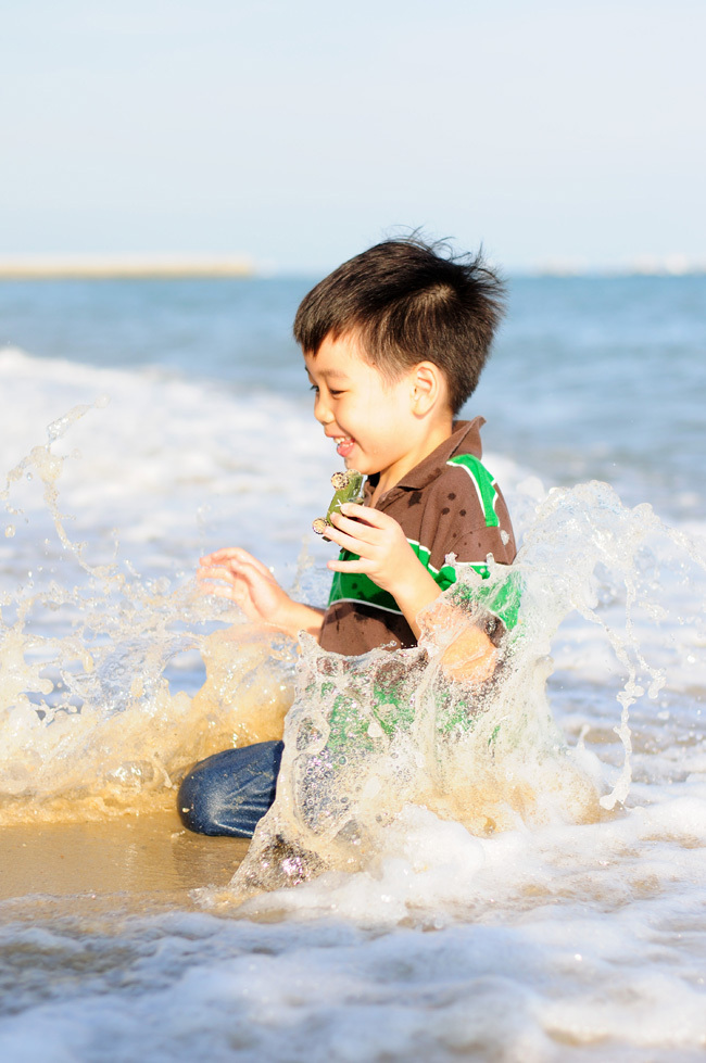 Kids, portrait, beach, waves, sun