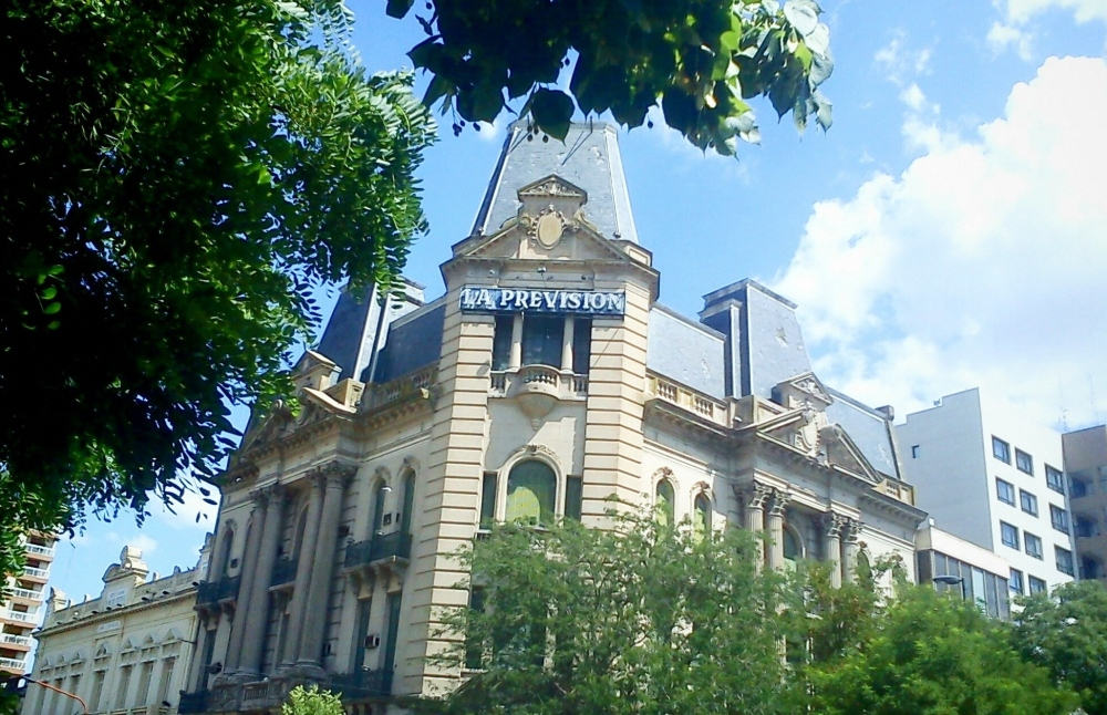 """Edificio """"La Previsión Seguros"""", Tres Arroyos"""