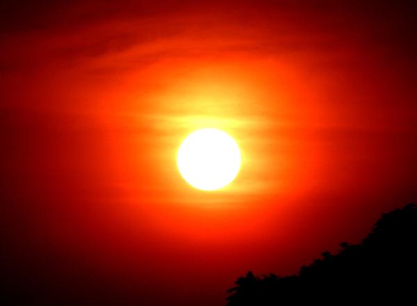El día que el cielo se vio mas rojo 2/3