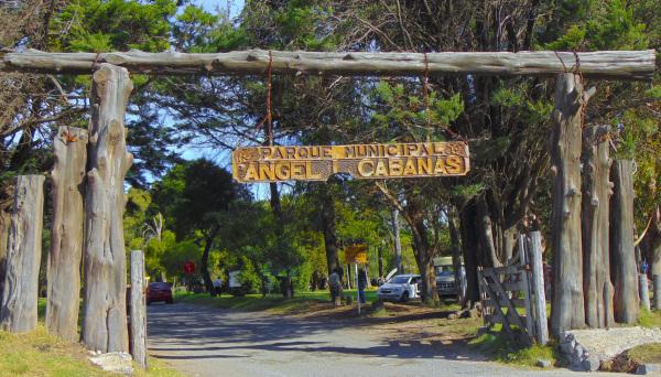 Parque Angel L. Cabañas 1 - 12