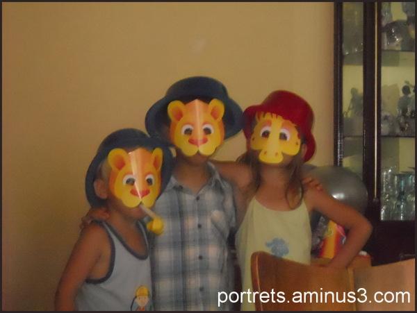 Three happy children (Patrick, Sara, David)