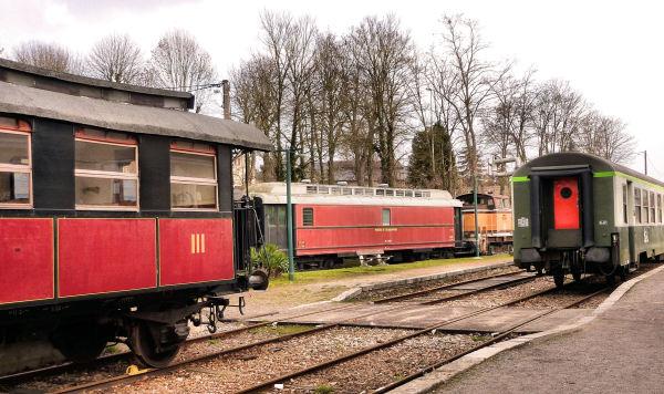 RETRO  RAIL # 2
