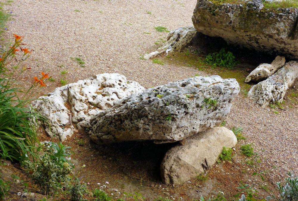 Le dolmen  # 3
