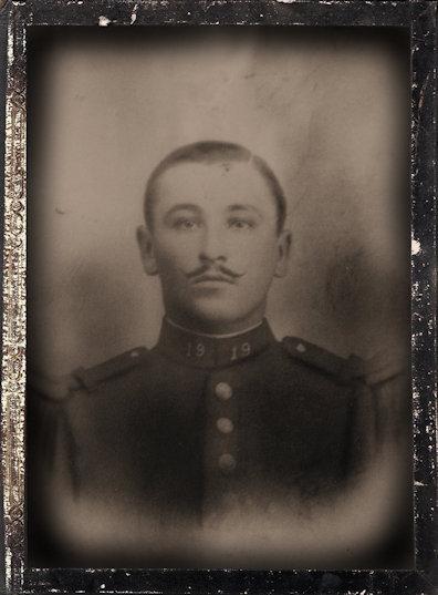 24 décembre 1886 - 17 juillet 1915