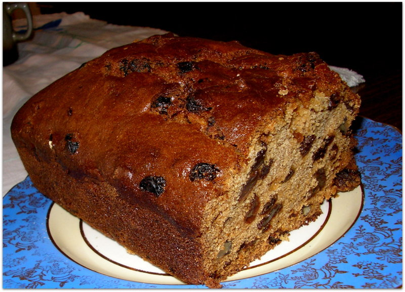 Spiced Raisin And Walnut Loaf