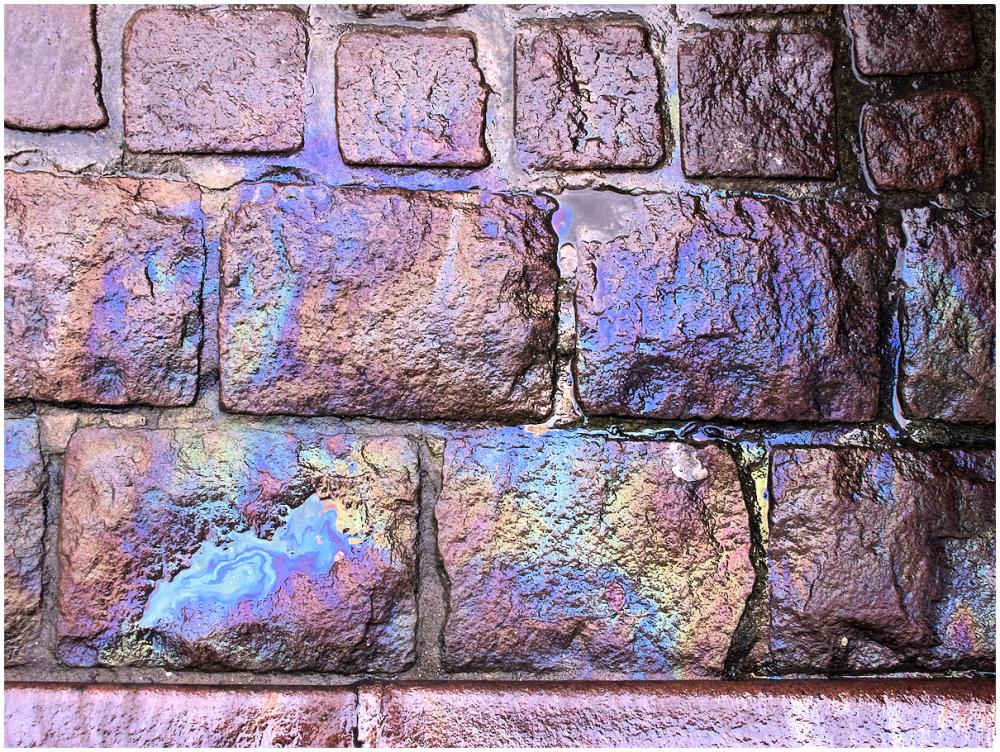 Iridescent cobblestones