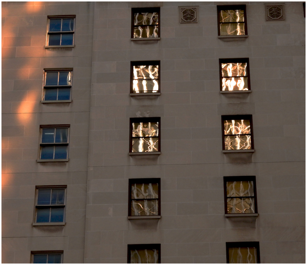 Dancing windows