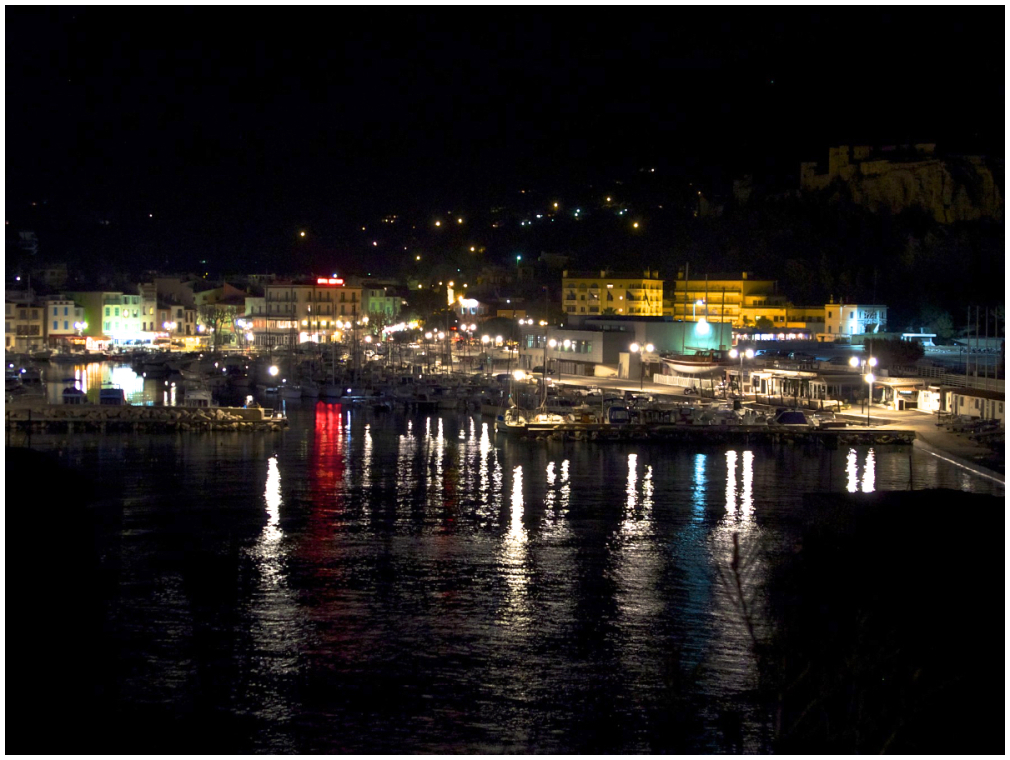 Cassis at night