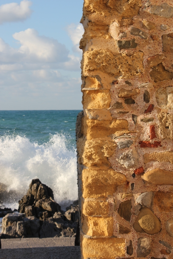 The wall and the sea
