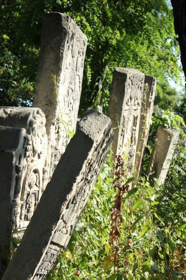 Places. Chernivtsi. Jewish cemetery