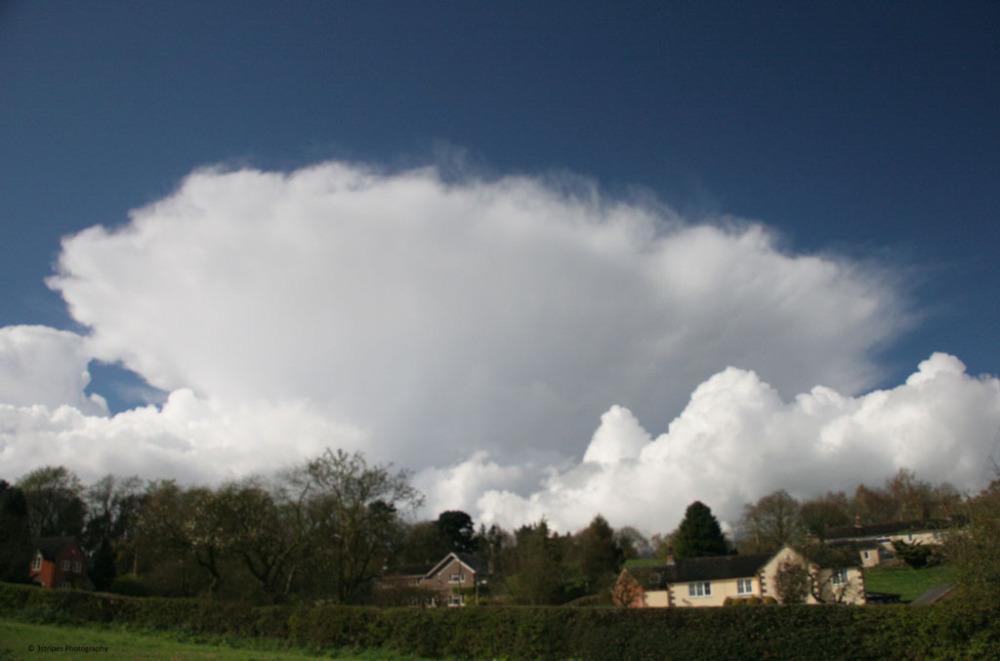 An anvil cloud N Staffs