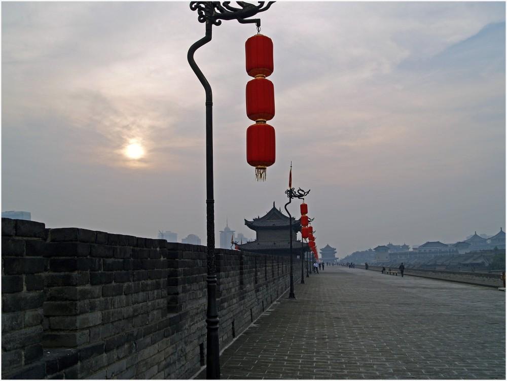 Les remparts de Xi'An au couché du soleil.