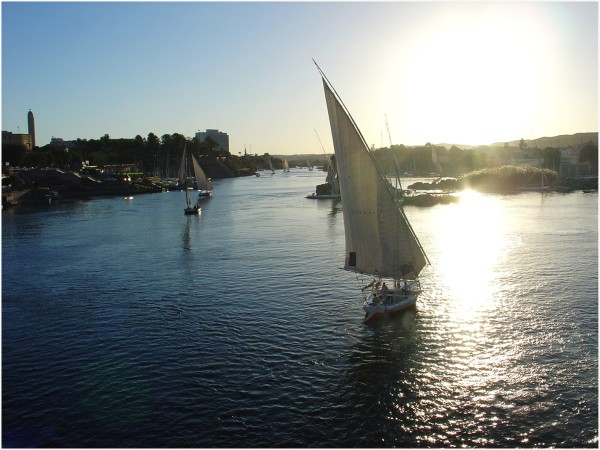 Egypte, traversé du Nil en felouke