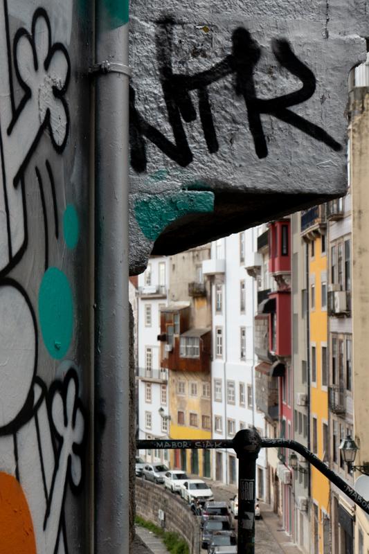 Porto et ses murs colorés.