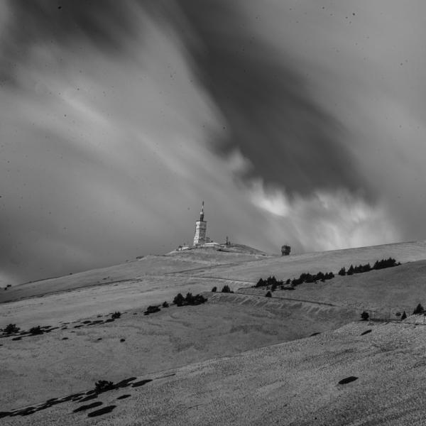 Mont Ventoux sous les vents;