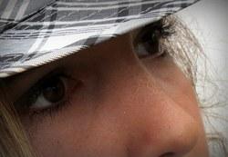 la fille au chapeau    girl with hat