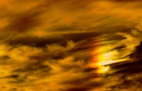 un halo dans le ciel - sundog in the sky