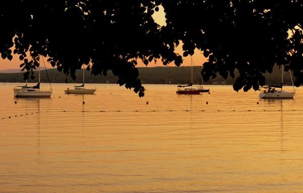 mon lac  et ses voiliers - my lake