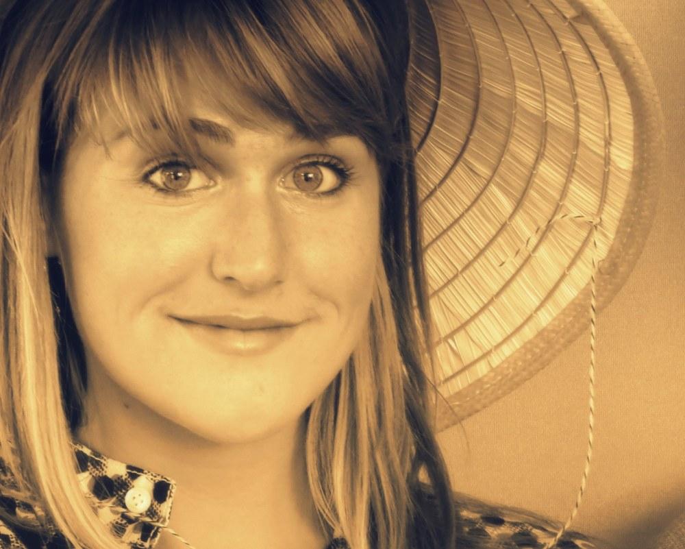 la fille au chapeau de paille - straw hat girl