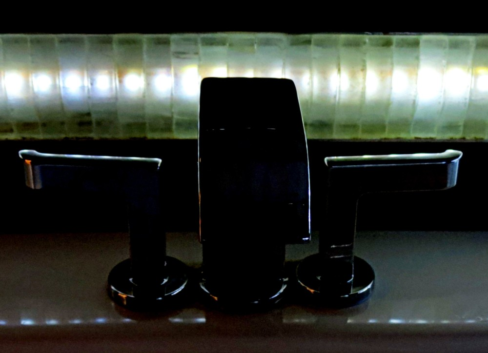 robinetterie et éclairage - faucet and light
