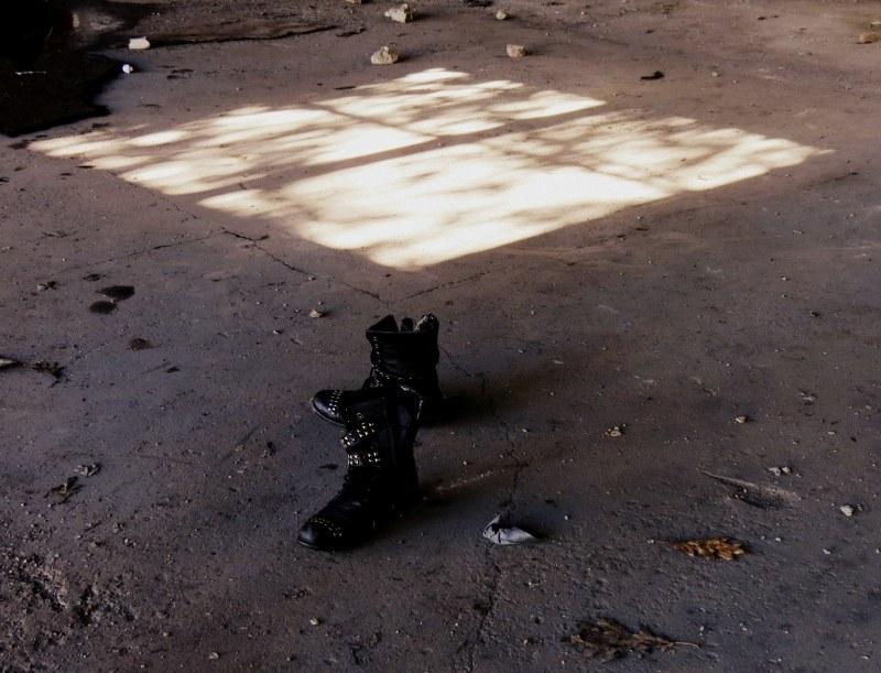 les bottes oubliées - the boots