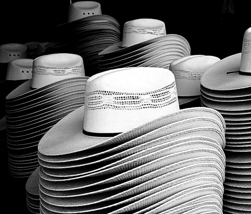 des chapeaux et des chapeaux