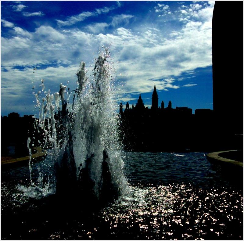 la fontaine et le parlement d'Ottawa