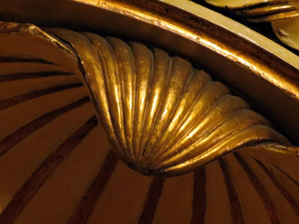 détail à la feuille d'or
