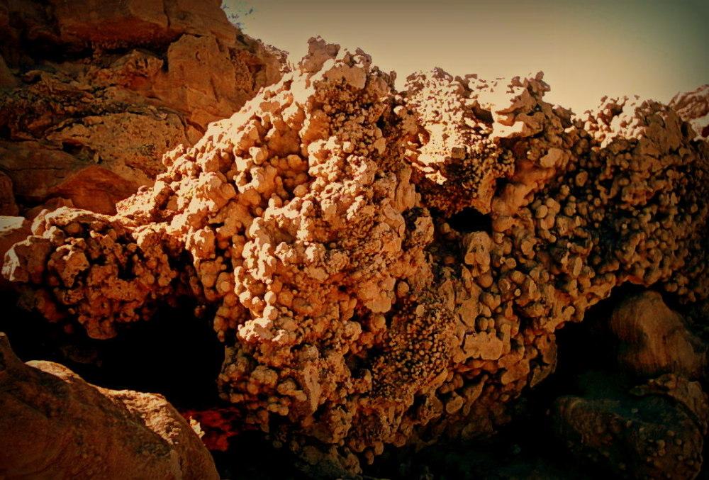 le rocher appelé crottes de chien..