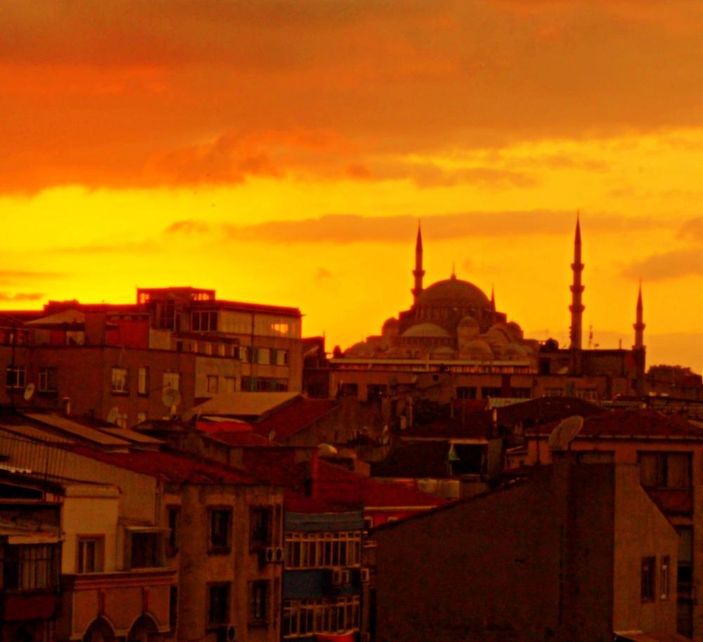le minaret au coucher de soleil