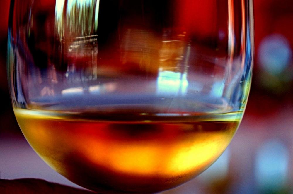 hallucinations au travers un verre de vin