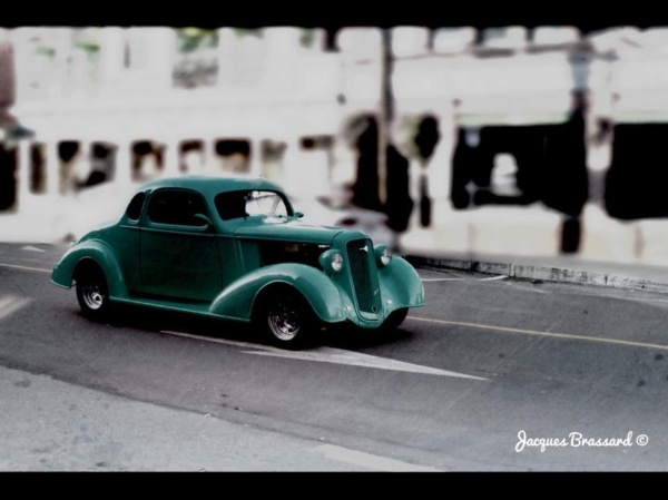 Veille voiture verte