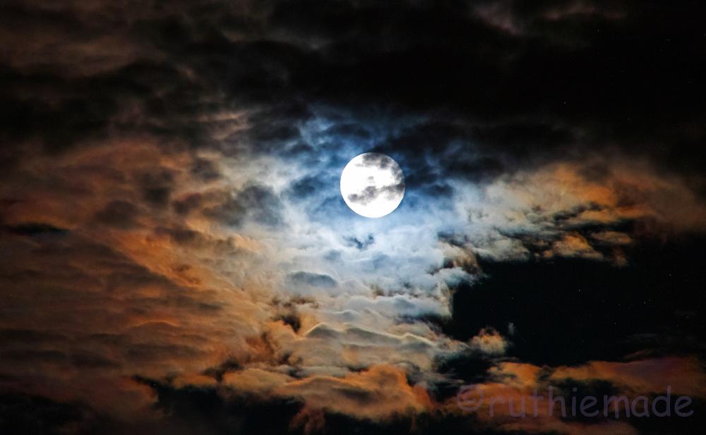 Super Moon Sky