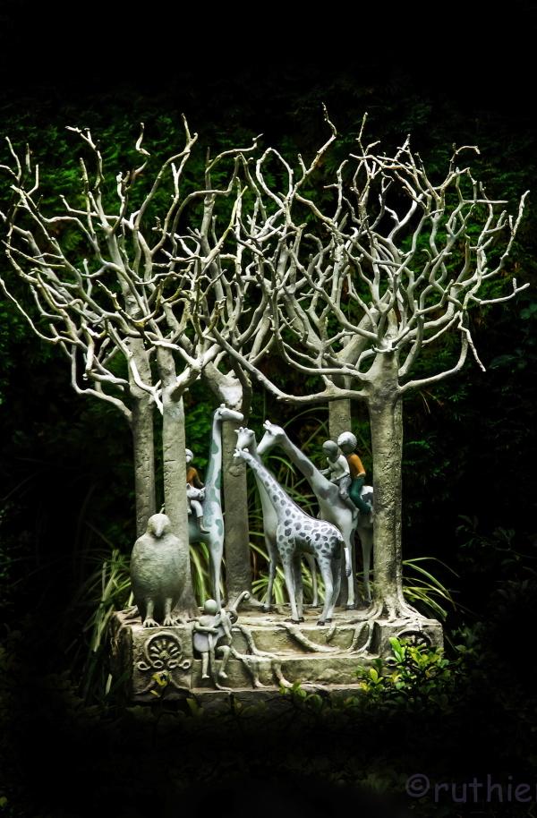 Giraffe Tree 2/2