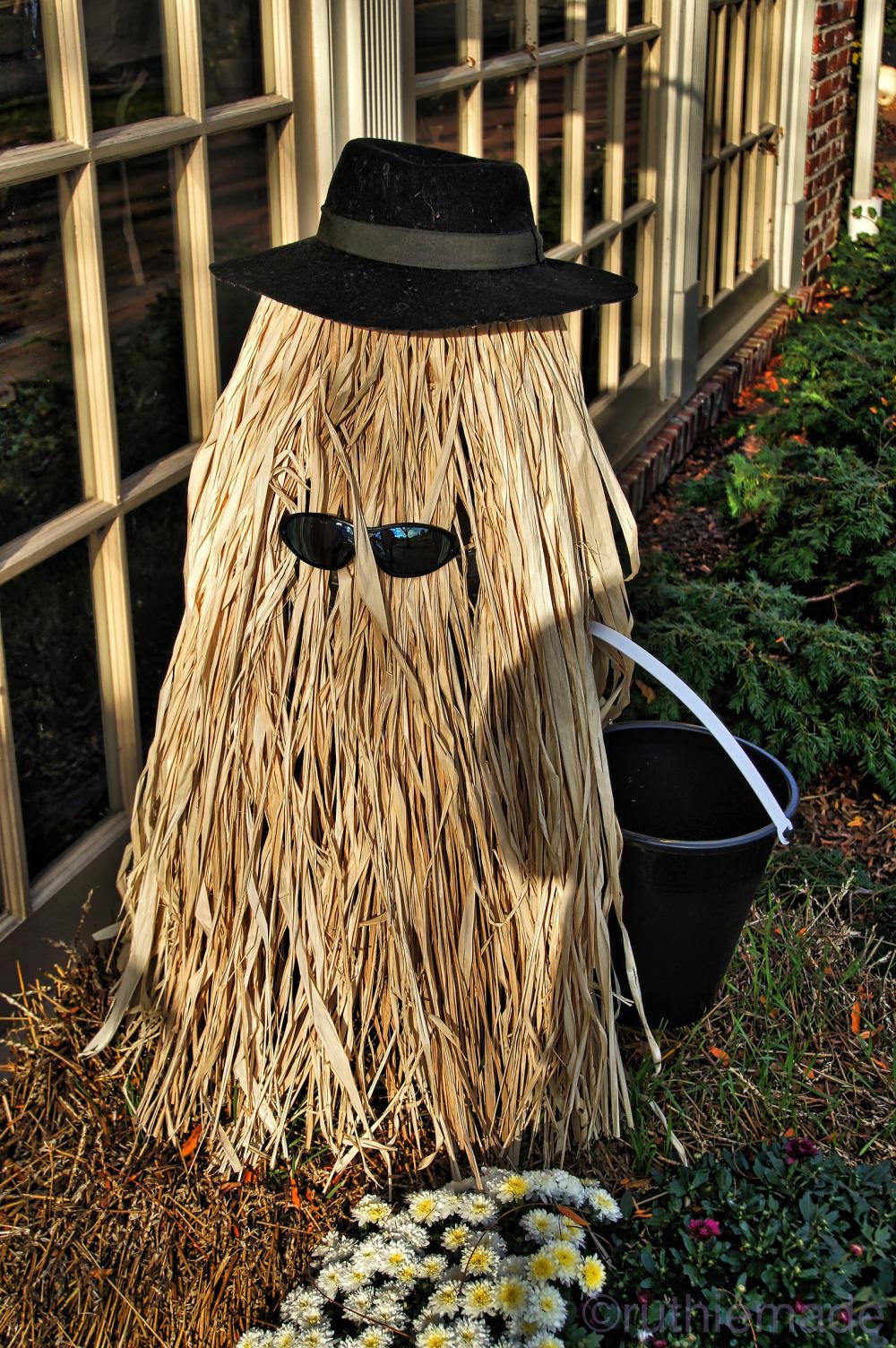 COusin Itt Scarecrow
