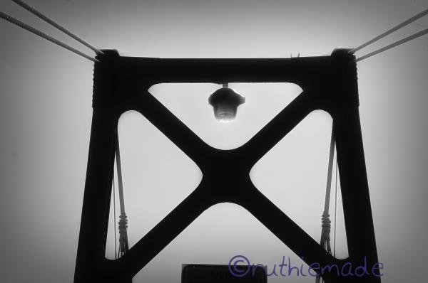 Life in B&W Bridge