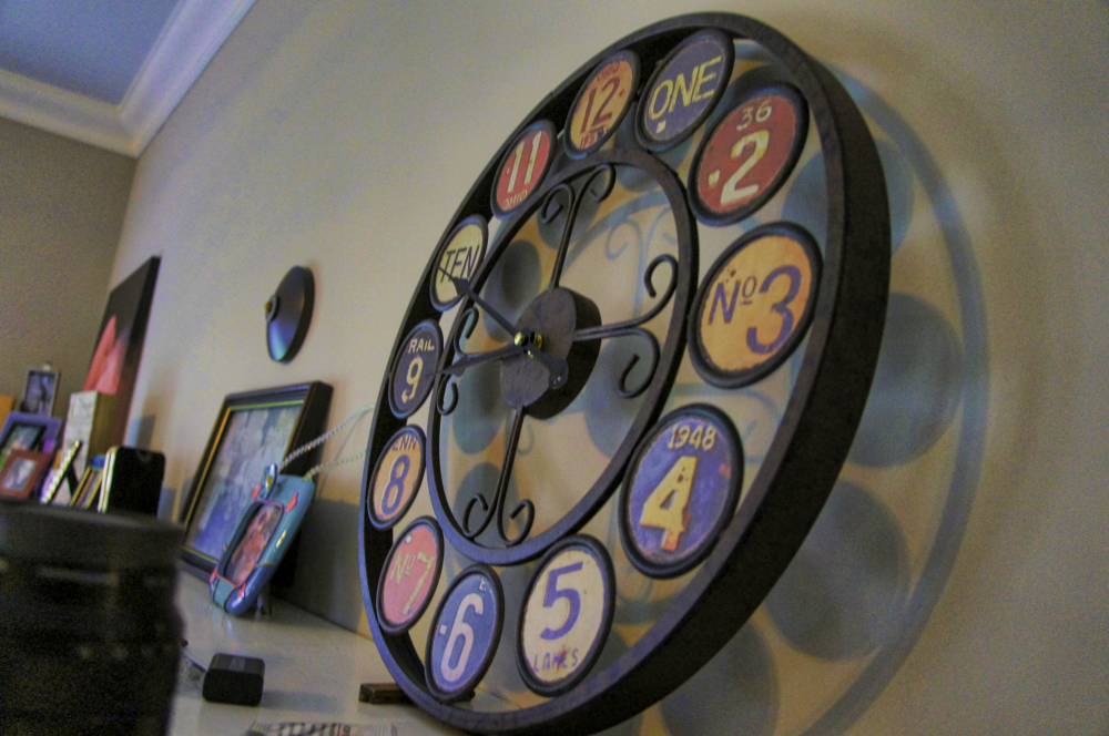 Circle of LIfe License Plate Clock