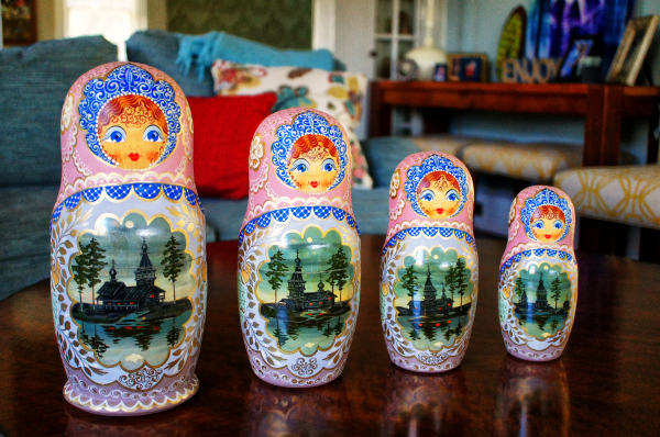 Set 2 Russian Nesting Dolls (July 10)