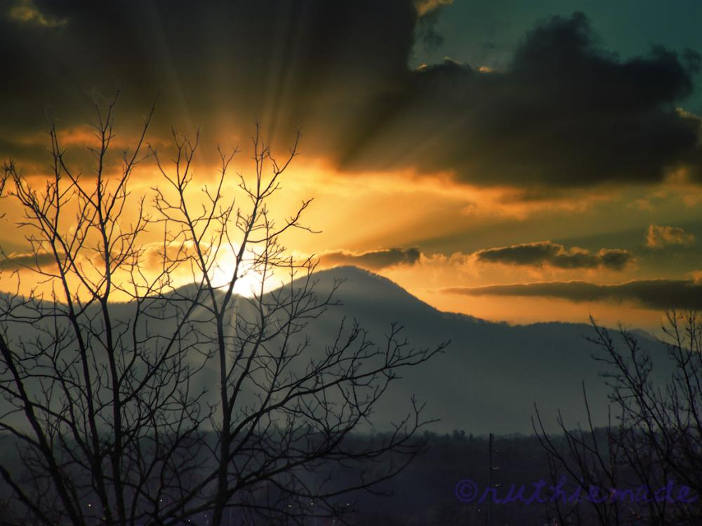 SUn on the MOuntain