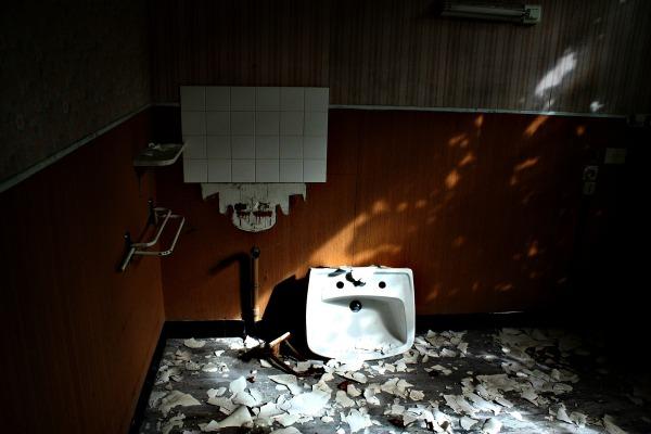 urbex, sanatorium, urban, lavabo, exploration