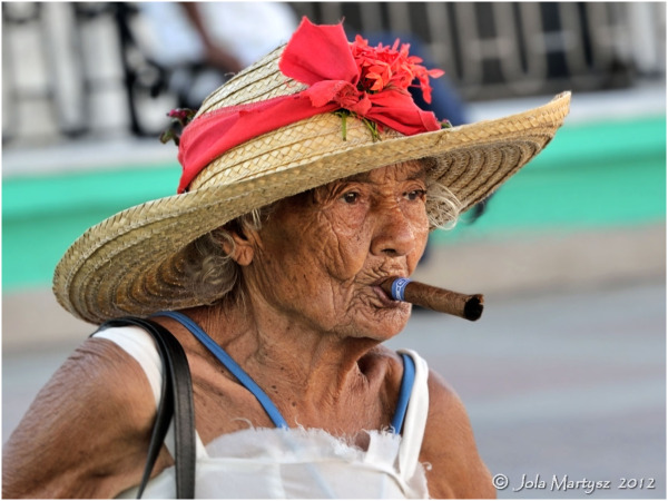 cuba portrait people woman lady candid cigar hat t