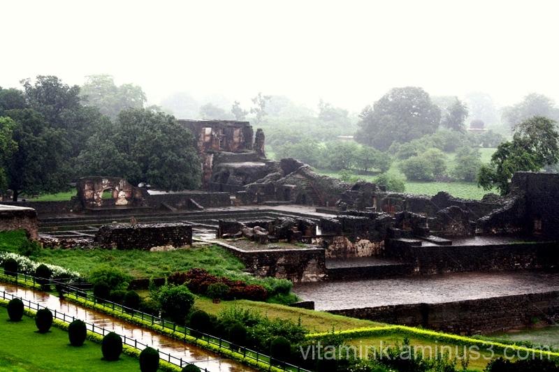 Mandu, a city in ruins