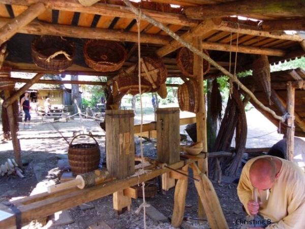 Atelier de fabrication des ustensiles à Guedelon